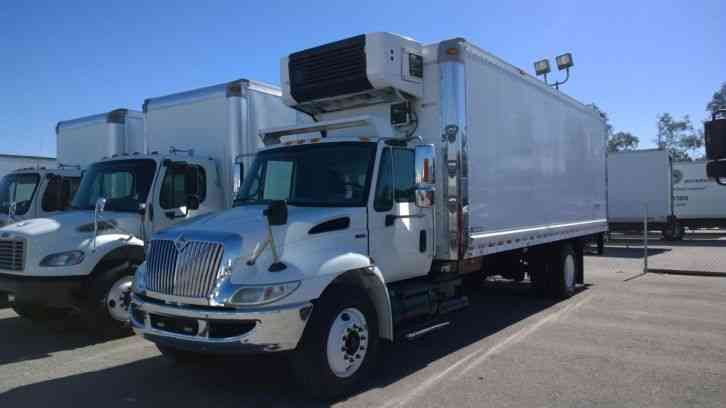 International 4300 24ft Refrigerated Box Carrier Supra