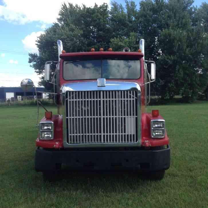 International 9300 (1989) : Daycab Semi Trucks