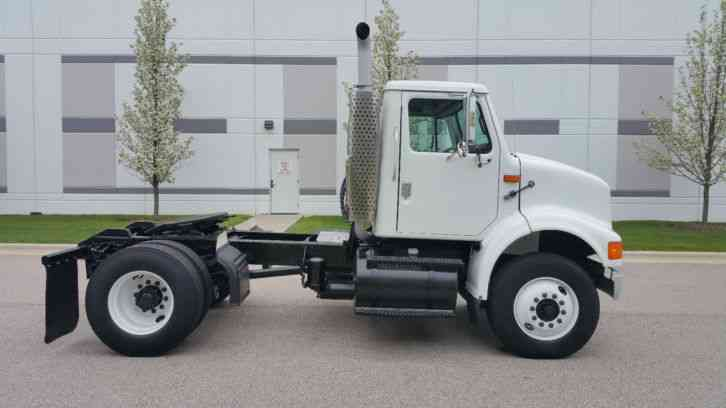 Light Trucks For Sale >> International Single Axle Day Cab Semi Tractor Super Clean Low Miles No Rust 7 Speed Puller ...