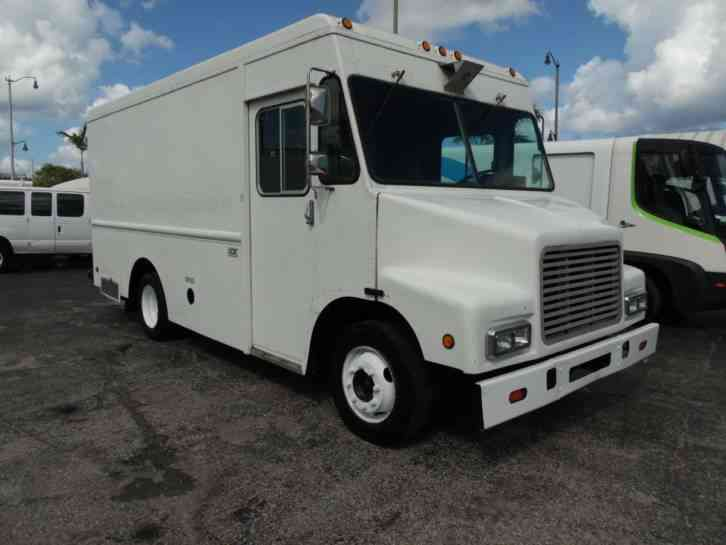 International Utilimaster 7. 3Liter loaded step van (1999)