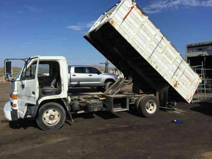 isuzu npr  utility service trucks
