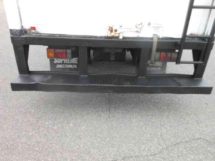 Isuzu Npr Hd 2005 Van Box Trucks