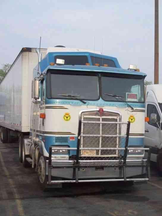 Kenworth (1989) : Sleeper Semi Trucks