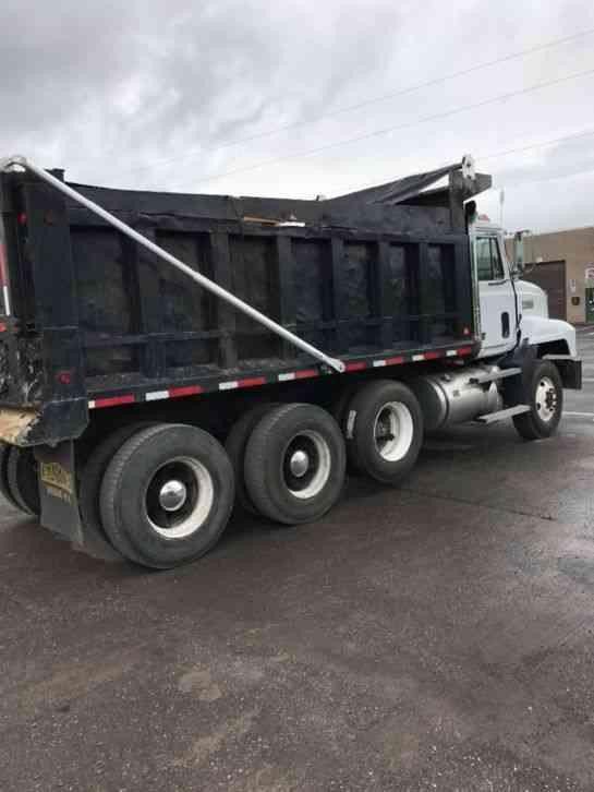 Dump Truck 3 Axles : Mack ch daycab semi trucks