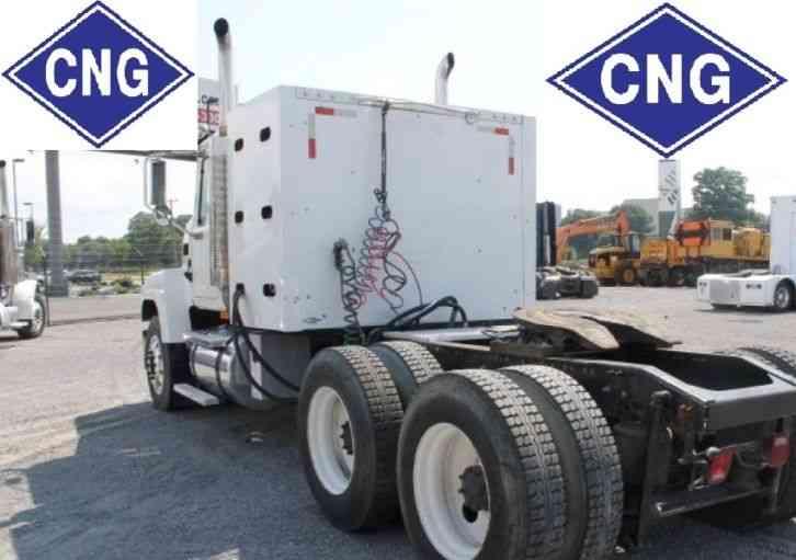Mack CHN613 CNG + DIesel (2006) : Daycab Semi Trucks