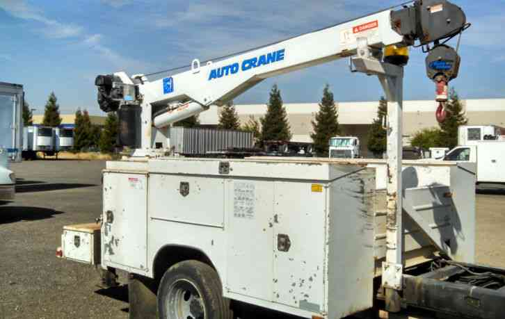Mechanics Truck Service Body With 5 000 Lb Autocrane 5005eh Crane Utility Service Trucks