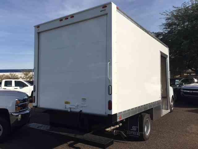 Transmission Service Cost >> Chevrolet Express Commercial Cutaway -- (2017) : Van / Box Trucks