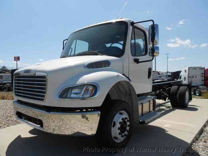 Freightliner M2-106 Cab & Chassis (2017)