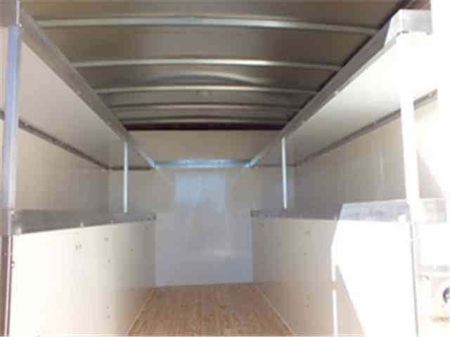 Chevy Semi Truck >> Chevrolet Express Commercial Cutaway N/A (2016) : Utility / Service Trucks