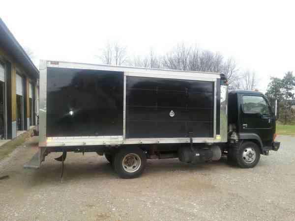 Nissan Vortex Ud 1200 2004 Van Box Trucks