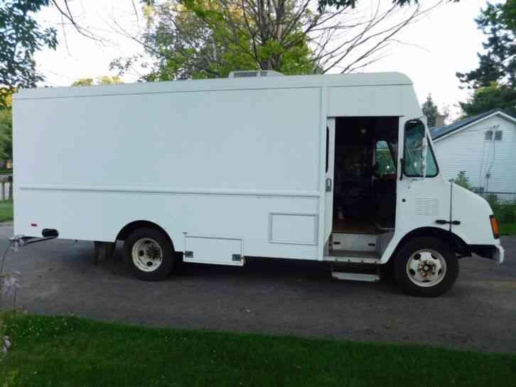 Freightliner FL70 (2002) : Van / Box Trucks