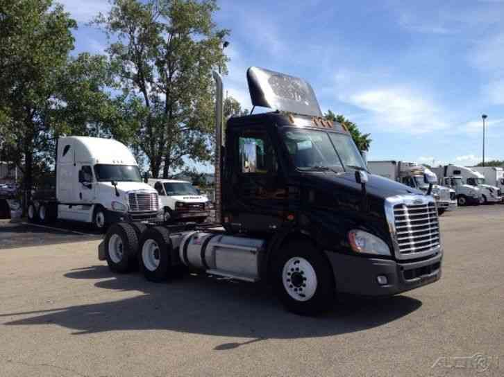 Freightliner CA11364DC - CASCADIA (2012)