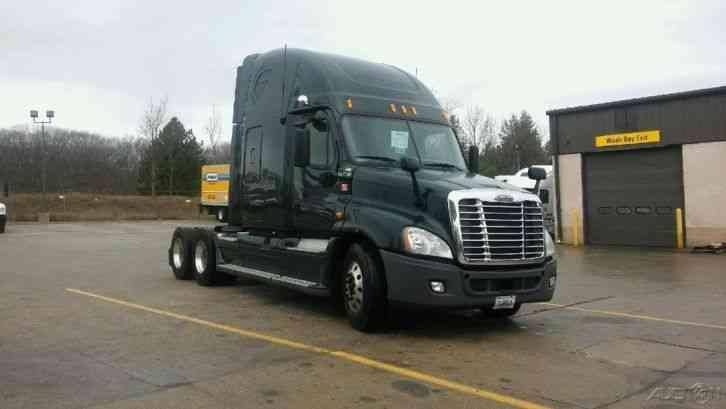 Freightliner Flb10064t 1995 Sleeper Semi Trucks