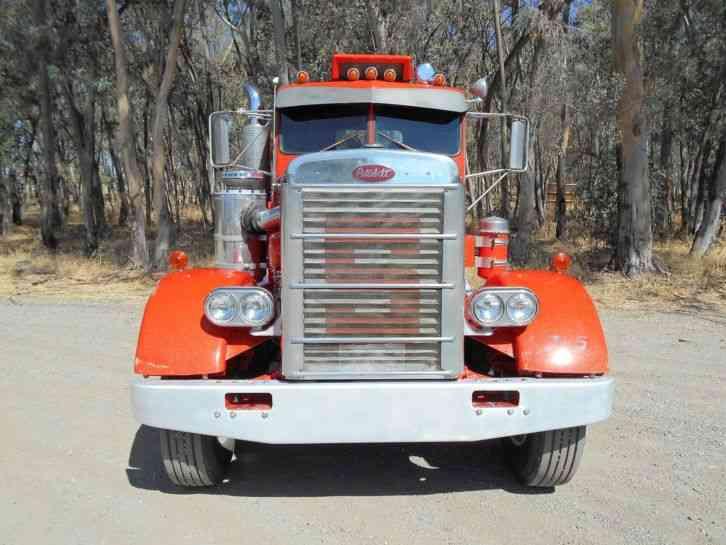 Peterbilt 1966 Daycab Semi Trucks