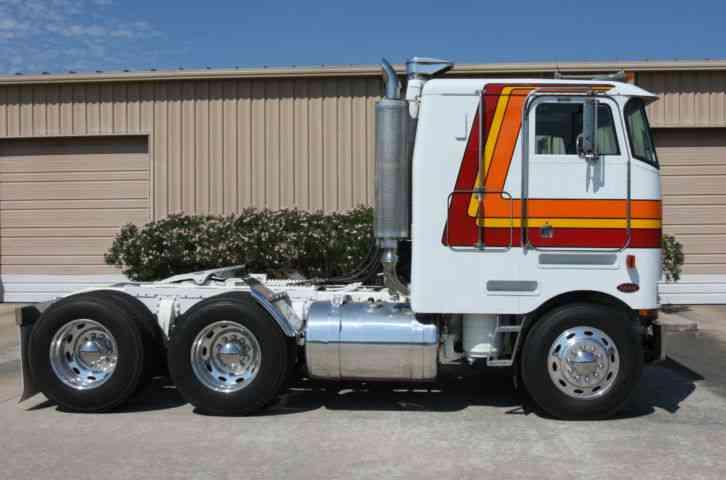 Cabover Trucks For Sale >> Peterbilt 362 (1982) : Sleeper Semi Trucks
