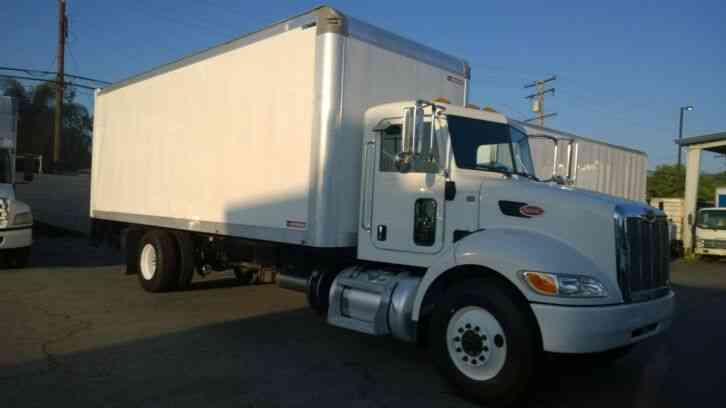 Peterbilt 24 box truck LIFTGATE 26, 000# gvwr AIR BRAKES - under CDL LOW miles (2013)