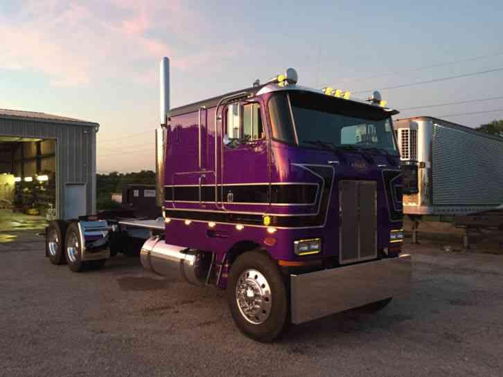 Peterbilt 362 1988 Sleeper Semi Trucks