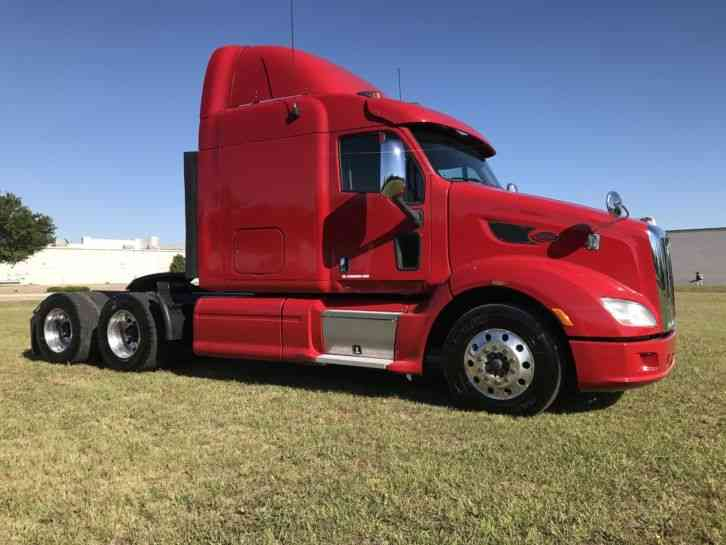 Peterbilt 587 SLEEPER (2012)