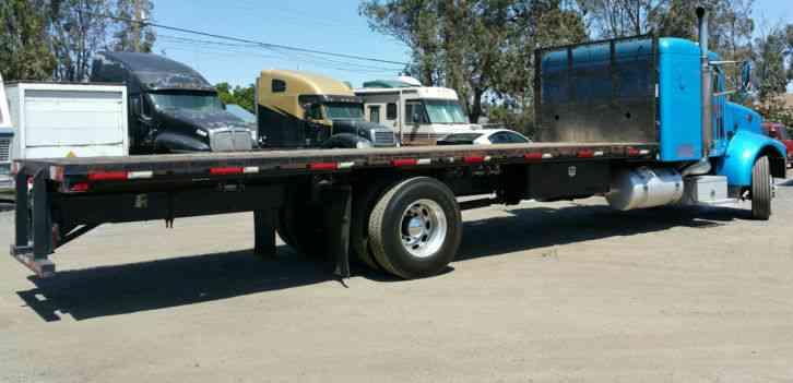 Peterbilt 337 2003 Sleeper Semi Trucks