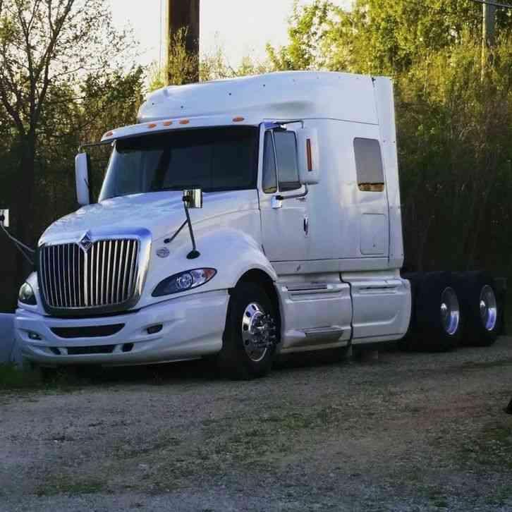 Peterbilt (2000) : Sleeper Semi Trucks
