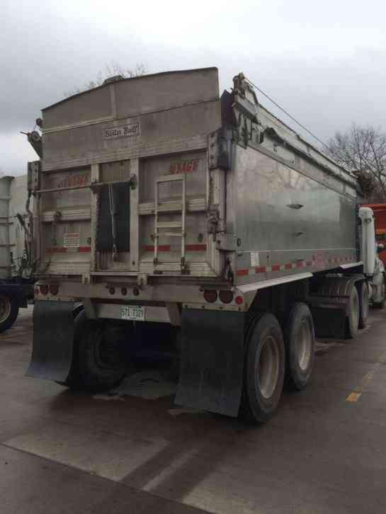 Freightliner Cascadia 2008 Daycab Semi Trucks