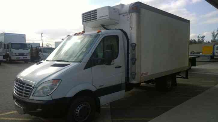 FREIGHTLINER (M-BENZ) Sprinter 3500 Refrigerated Box VAN 14FT -DIESEL- THERMOKING V500MAX (2013)