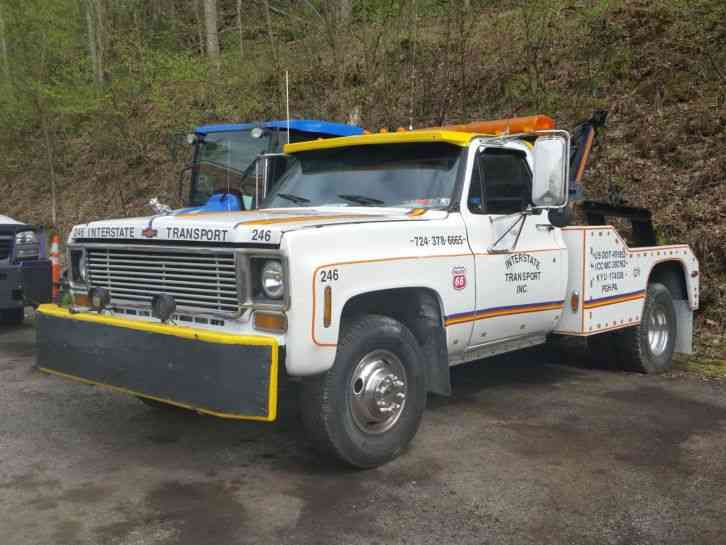 Chevy C30  1977    Wreckers