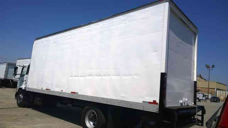 Volvo Trucks Canada >> UD 2600 26FEET BOX TRUCK- LIFTGATE-AAUTO FURNITURE FREIGHT DELIVERY MOVING RELOCATION RIG (2012 ...