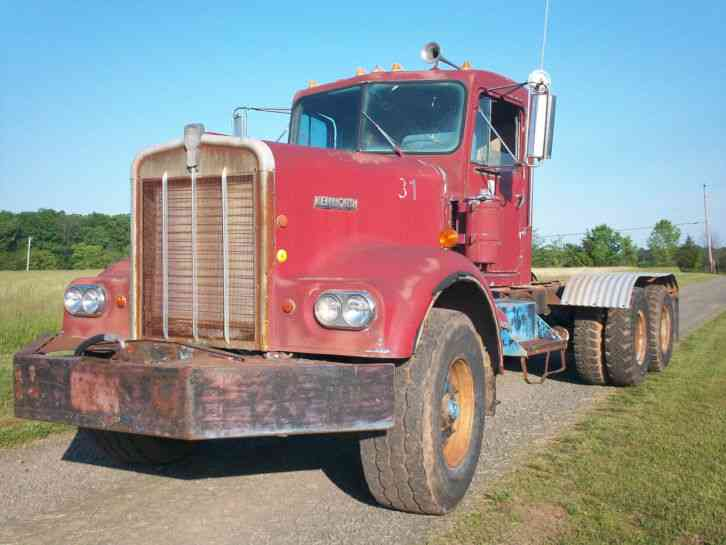 Kenworth W900 W923  1969    Daycab Semi Trucks