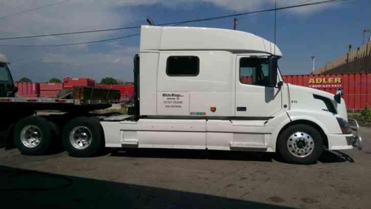 Volvo 730 (2007) : Sleeper Semi Trucks
