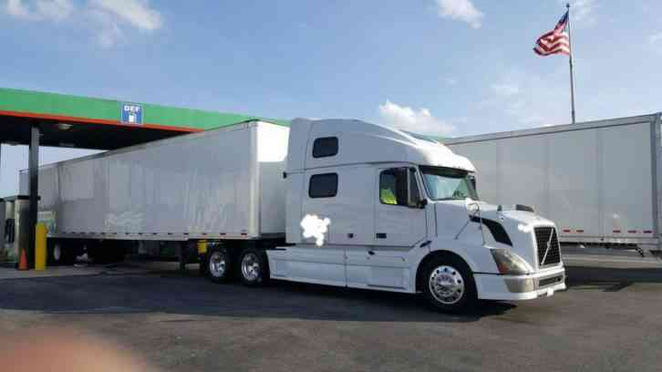 Brand New Volvo Truck For Sale >> Volvo VNL 780 (2006) : Sleeper Semi Trucks