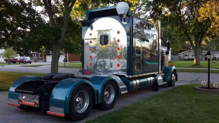 Kenworth W900 2006 Sleeper Semi Trucks