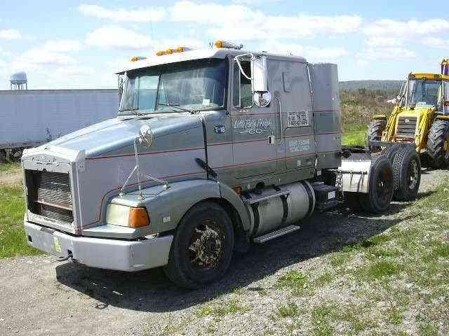 Freightliner flt 120 (1987) : Sleeper Semi Trucks