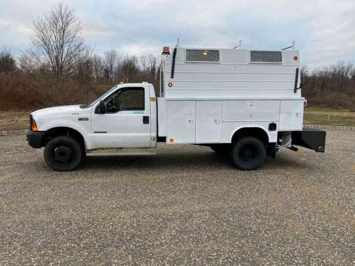 Ford F550 4x4 ENCLOSED UTILITY TRUCK 4WD (2000)