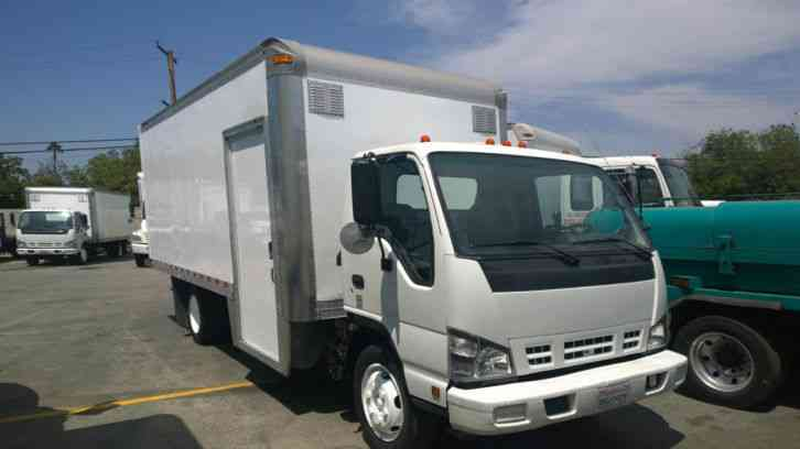 Isuzu NRR (GMC W5500HD) 18FT BOX step in side door ...