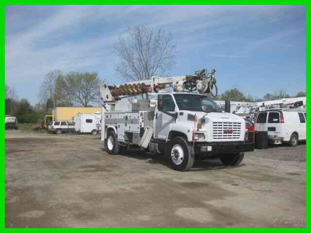 GMC C8500 C7 CAT ALLISON WITH L4045 TEREX DIGGER (2005)