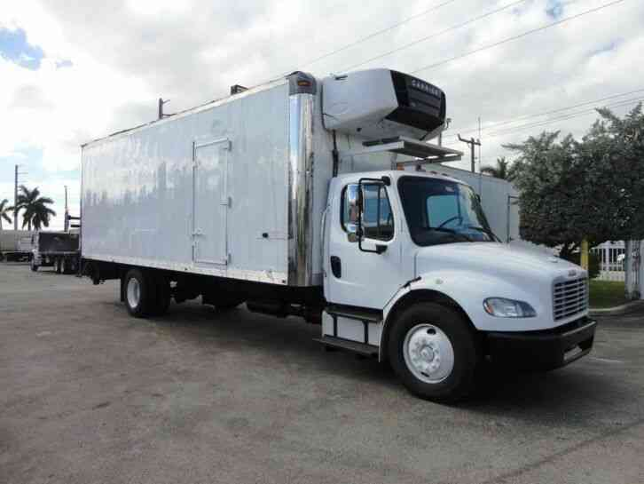 Freightliner BUSINESS CLASS M2 106 26FT REFRIGERATED BOX TRUCK. CARRIER (2012)