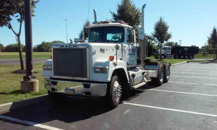 Mack RW613 (1988) : Daycab Semi Trucks