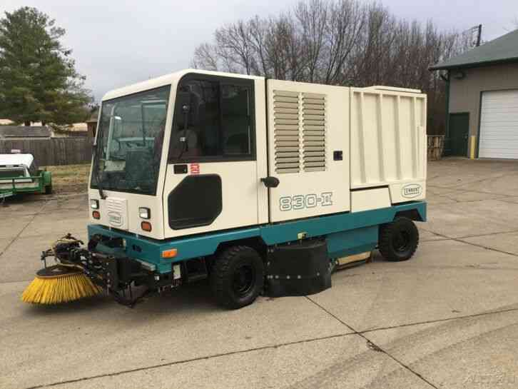 Tenant Street Sweeper Truck 830-11 Reconditioned (1999)