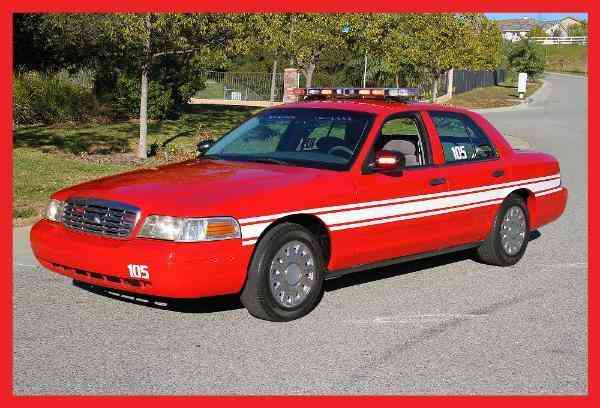 Ford Crown Victoria (2000)