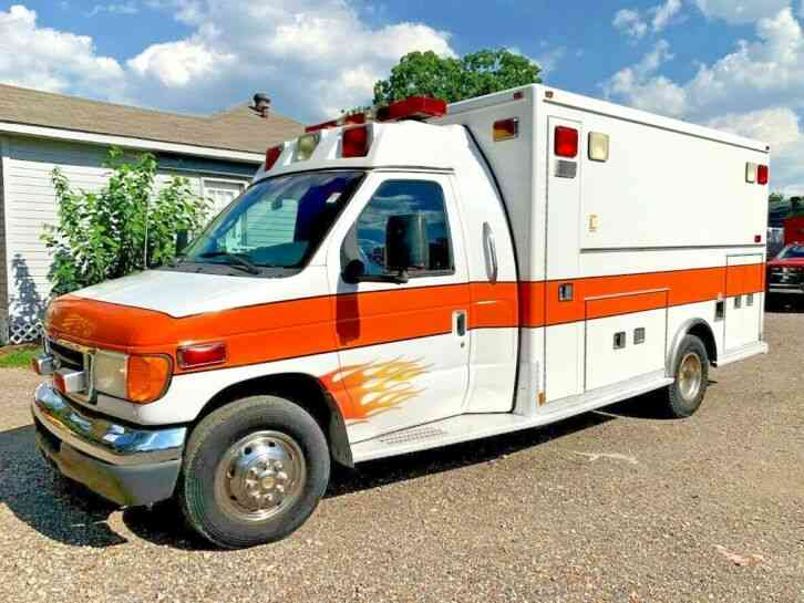 FORD AMBULANCE (2003)