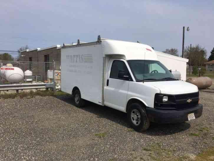 Chevrolet Express Box Truck (2005) : Van / Box Trucks