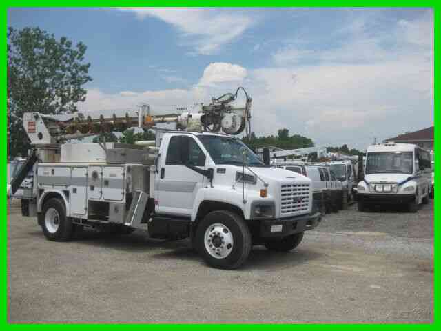 GMC C8500 C7 CAT ALLISON AC WITH TEREX TELELECT COMMANDER L4045 DIGGER DERRICK (2005)