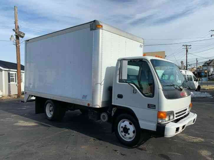 GMC W4500 14FT BOX PANEL DELIVERY TRUCK CUBE VAN (2005)