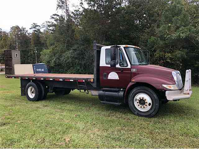 International 4300 FLATBED DUMP -- (2005)