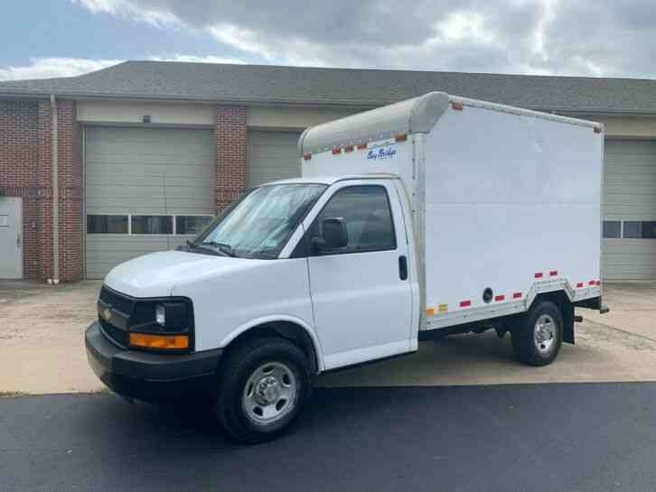 Chevrolet EXPRESS 10FT BOX PANEL DELIVERY TRUCK CUBE VAN (2006)