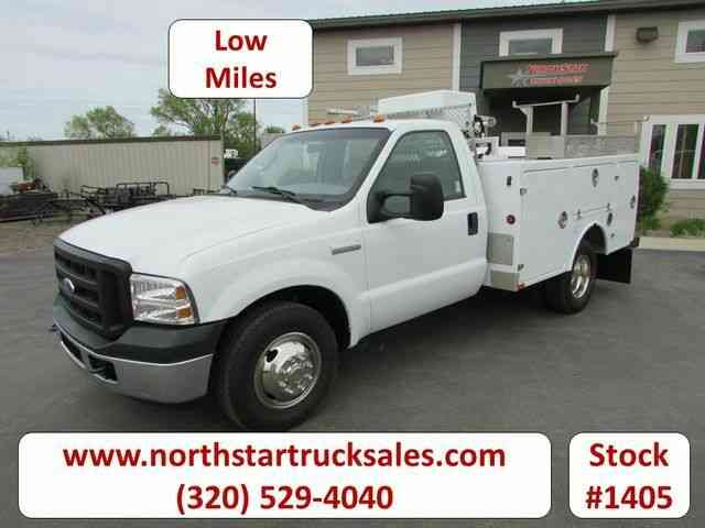 Ford F-350 Service Utility Truck -- (2006)
