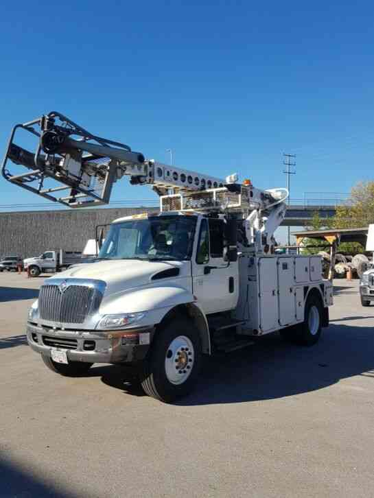 International 4300 w Altec AT40-C Bucket&Cable Placer Body (2006)