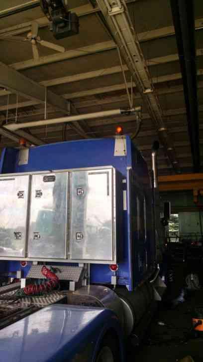 Kenworth W900L WITH 86 STUDIO (2006) : Sleeper Semi Trucks