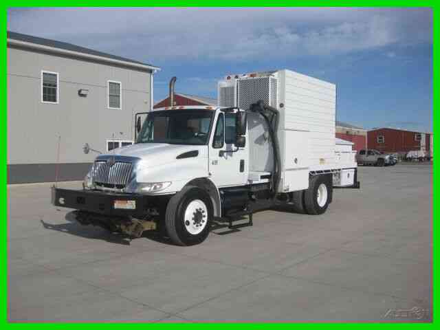 INTERNATIONAL 4300 DT466 ALLISON 14' UTILITY BODY (2007)